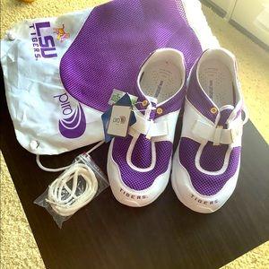 NWT Ladies Size 7 LSU tennis shoes